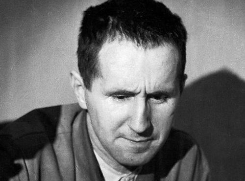 biography Bertolt Brecht