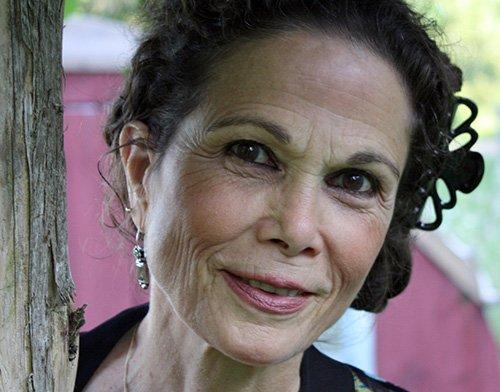 biography Julia Alvarez