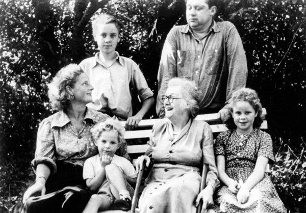 dylan-thomas-family