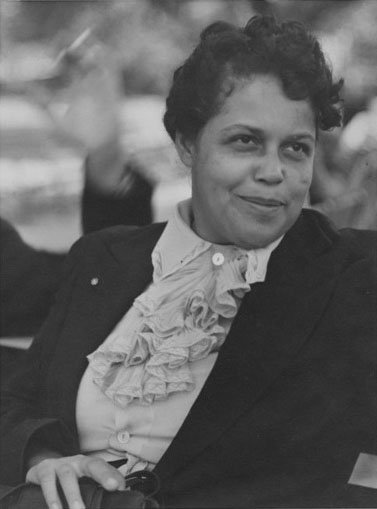 a biography of gwendolyn bennett a poet Gwendolyn b bennett biography gwendolyn b bennett (july 8, 1902 - may 30, 1981) was an american artist bennett's poem heritage was published in the crisis.