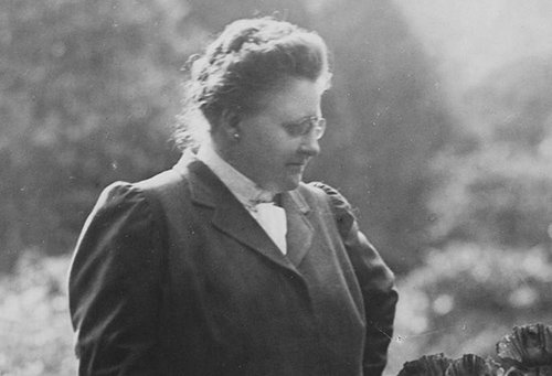 biography Amy Lowell